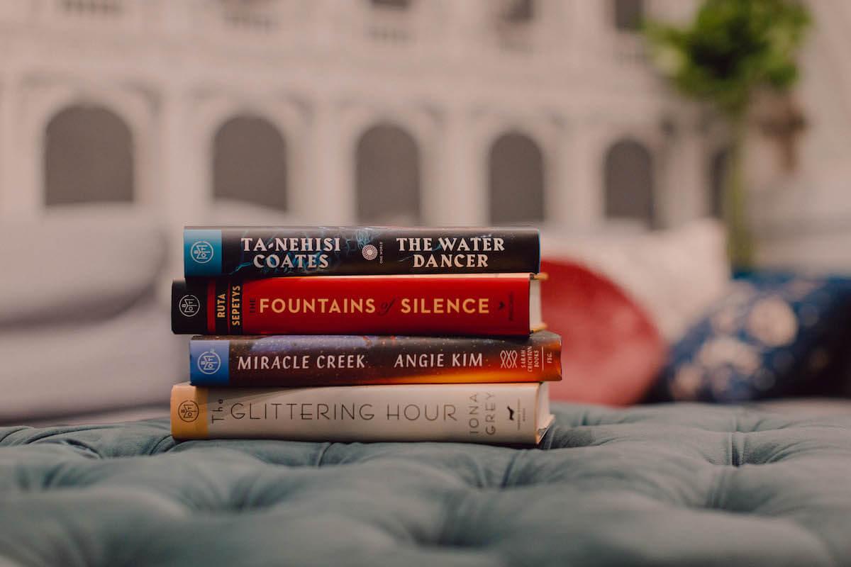 Horizontal Books